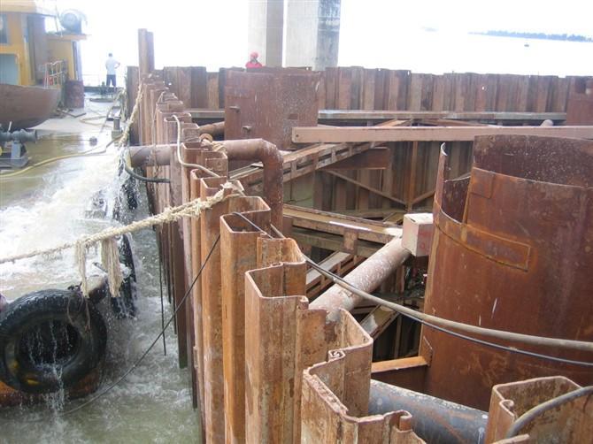 桥墩深层结构示意图